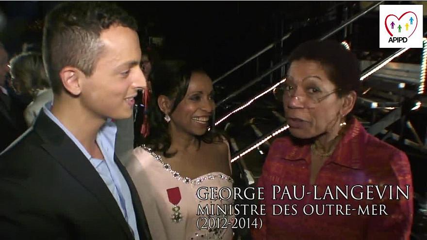 Drépaction 2014 au Zenith de Paris : Jenny Hippocrate Présidente de l'APIPD s'est vu attribuer la médaille de la 'Légion d'Honneur' par Geroge Pau-Langevin ancienne ministre des Outre-mer.